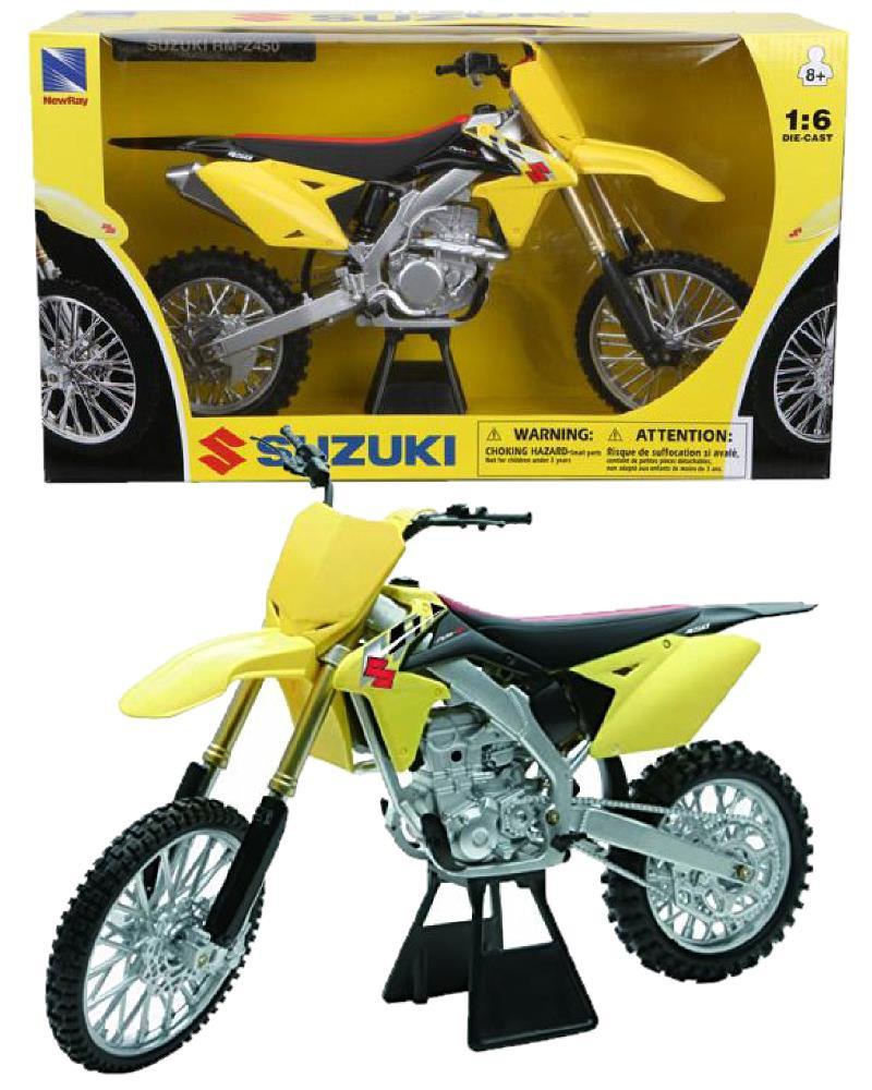 modellini motocross moto da cross suzuki rm z450 ps 04742 pelusciamo store marchirolo. Black Bedroom Furniture Sets. Home Design Ideas