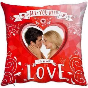 Cuscino Love All You Need 38x38 cm Personalizzabile Foto o Frasi PS 10339 Gadget Personalizzato Pelusciamo Store Marchirolo