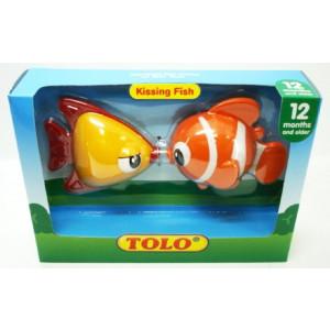Gioco prima infanzia giocattolo kissing fish Tolo Toys *02890 pelusciamo store